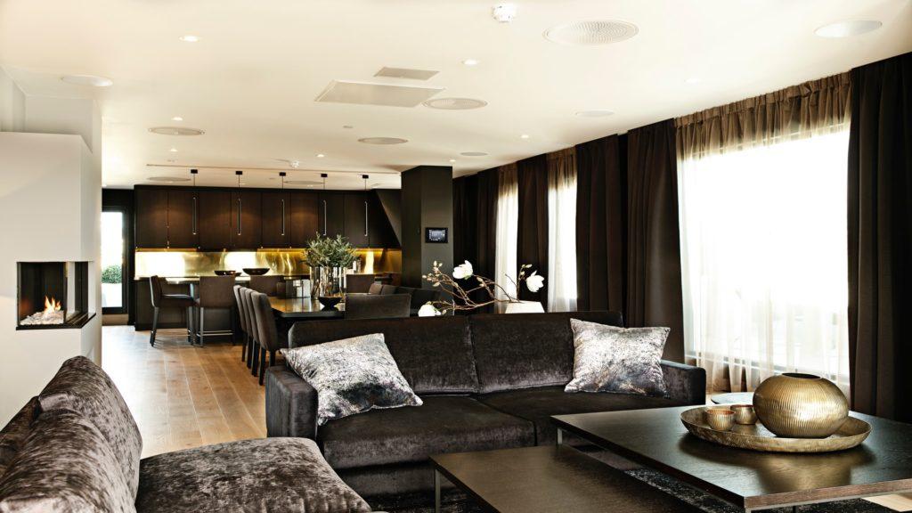Sofagruppe toppetasje. Kan også brukes som konferanserom i Oslo.